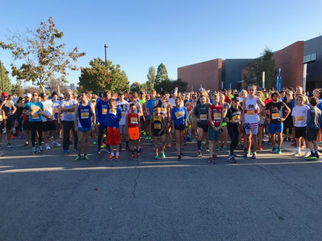 Everyone At The Starting Line Getting Ready For The Orange Country 5k Turkey Trot